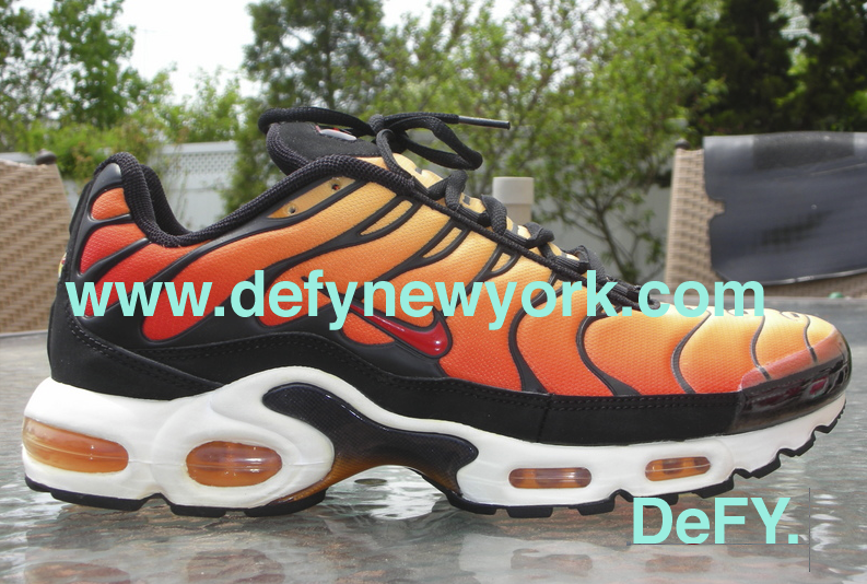 5791e1e2500 The Original King Of The Air Max Plus Jungle  The Nike Air Max Plus ...