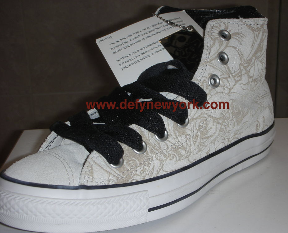 0afc518e578a42 (The white version of the Mike Giant Chuck T was the Womens Version. Below  are pictures of the white pair from the DeFY. New York Photo vault enjoy!