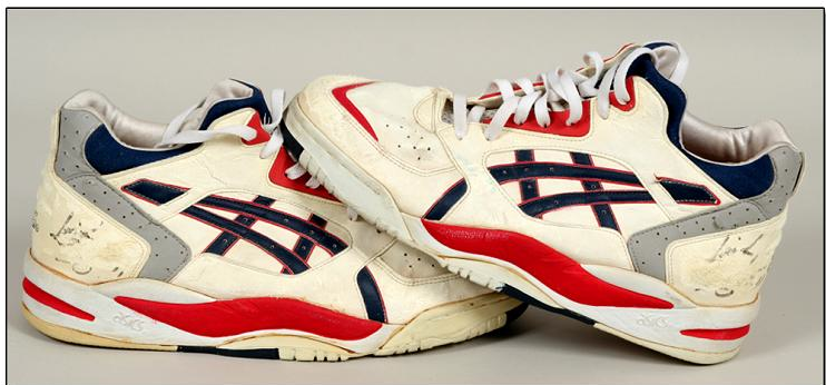 asics BASKETBALL SHOES COLLECTION